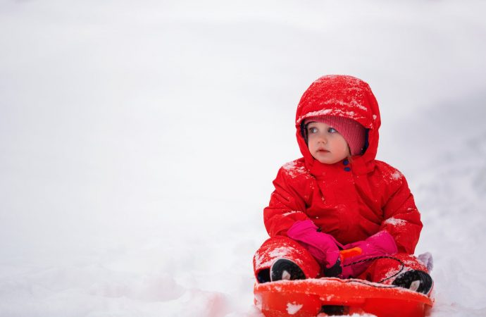 Snowflake Charm! Tips for Taking Care of Babies in Winter